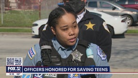 Chicago police officers rush to help 2 teens wounded in drive-by shooting