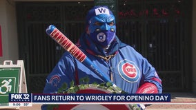Cubs fans flock to Wrigley for chilly Opening Day