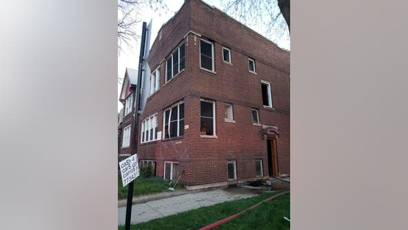 2 critically hurt in Back of the Yards fire