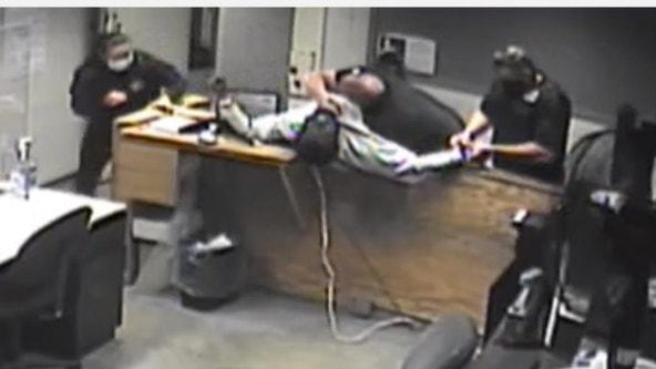 Video shows man attacking deputies at Skokie Courthouse