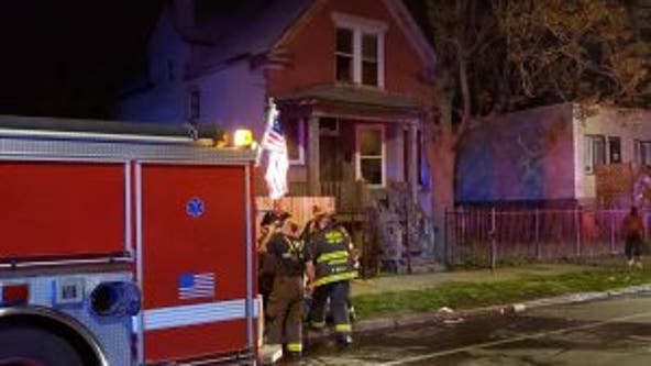 1 killed, 1 critically hurt in West Garfield Park fire
