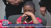 Chicago boy honored after saving mom's life