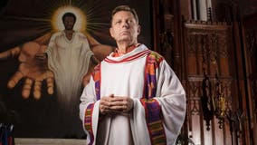 Chicago's Father Pfleger to return to Saint Sabina on Sunday