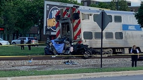Two adults, young girl killed when Metra train hits car in East Beverly