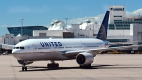 United offers flight attendants extra pay, vacation for proof of COVID-19 vaccination