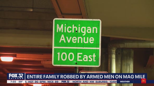 Family robbed at gunpoint along the Mag Mile in Chicago
