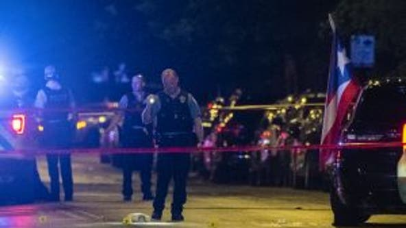 Man killed, woman critically injured in shooting in Humboldt Park: police
