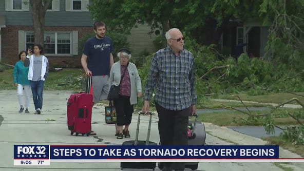 BBB warns of scammers after tornado leaves behind destruction in Chicago suburbs