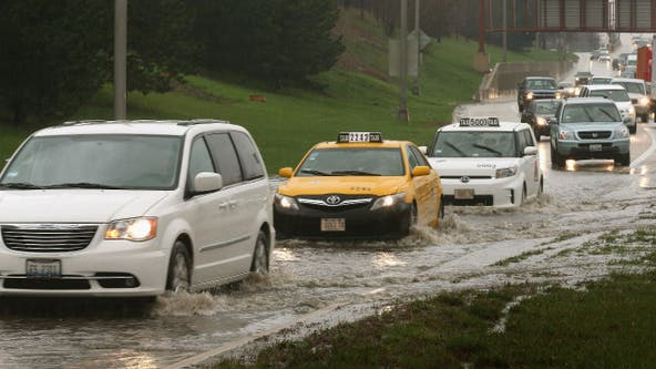 Flash flood warning issued for Chicago area after thunderstorms slow morning rush