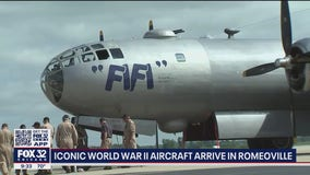 Iconic World War II aircraft land in Romeoville