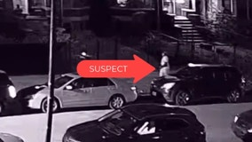 Video shows suspect shooting at Chicago police on West Side