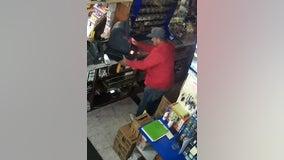 Man steals cash register at gas station in West Chicago: police