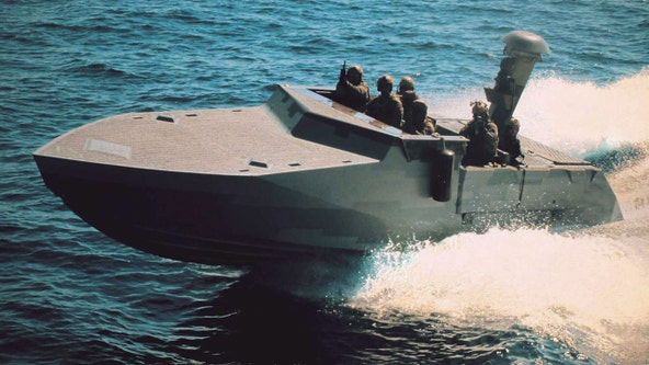 1st female sailor completes Navy special warfare training