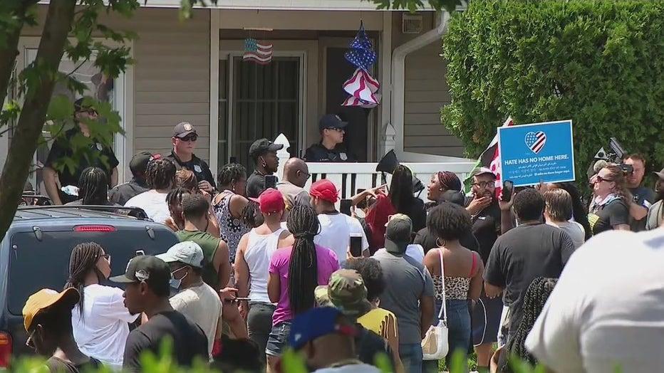 Protesters-in-Mt-Laurel.jpg