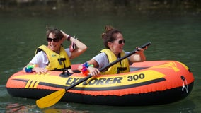 'Friends of Chicago River' hold 'Float Party' to highlight improved cleanliness of river water
