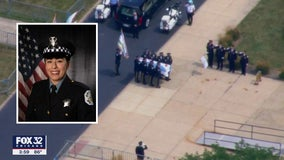 Hundreds pay their respects to Chicago Police Officer Ella French