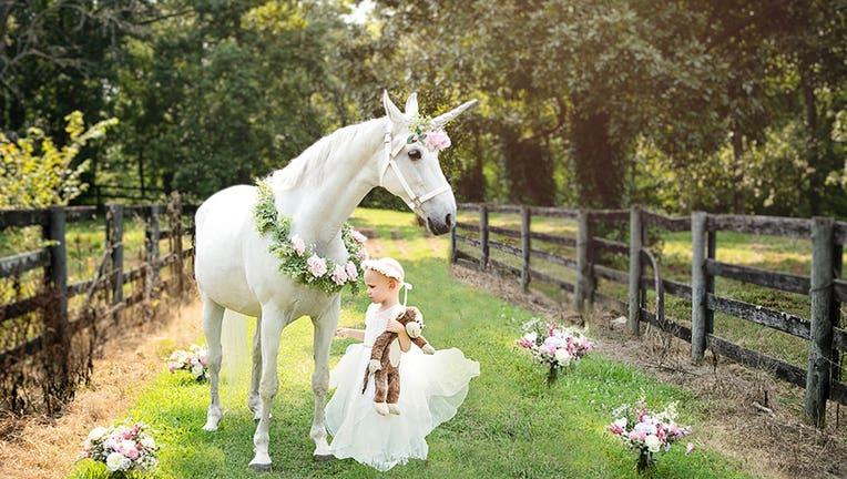Unicorn-1-Little-Tots-Photography-Sarah-Lawrence
