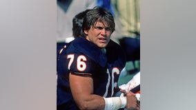 Former Chicago Bear Steve 'Mongo' McMichael honored with ALS Courage Award