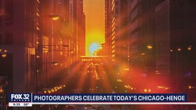 Local photographers turn out for 'Chicago Henge'