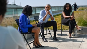 Obamas arrive in Chicago ahead of presidential center groundbreaking ceremony