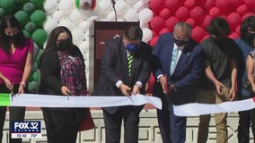 Pritzker dedicates Ray Castro Plaza at National Museum of Mexican Art