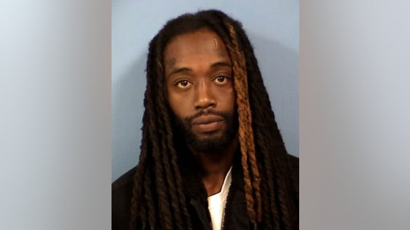 Chicago man charged with attempting to carjack woman at gunpoint at gas station