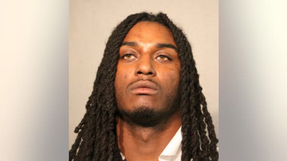 'You will die': Felon threatened Chicago cop before shooting in face: Prosecutors