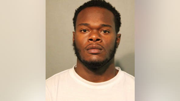Man charged with looting downtown Chicago last August
