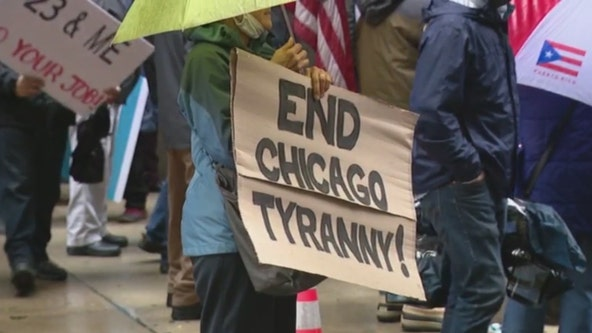 'We will not comply': Chicago police union leads protest against vaccine mandate