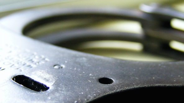 'Bored' Wisconsin security guard handcuffs himself, forgets key at home: police