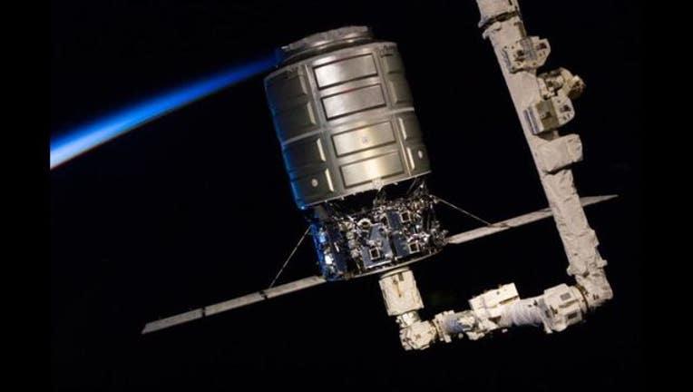 a2c68579-Cygnus at ISS_1477226581974.JPG
