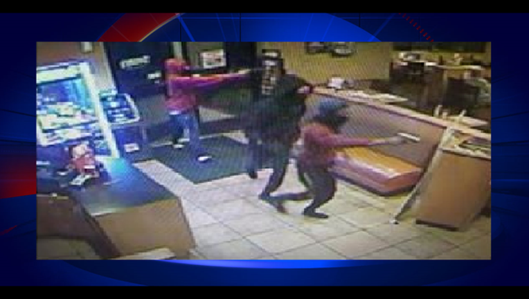 3723a5c2-Dennys Robbery Eustis_1494417730873.png
