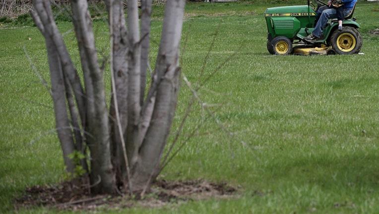 201b3e67-GETTY lawn mower_1554758107531.jpg-407693.jpg