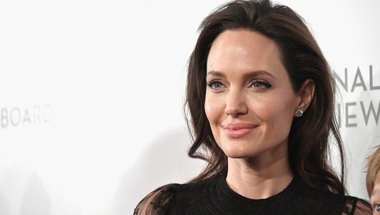 58248aee-GETTY_angelina jolie_123018_1546180703680.png.jpg
