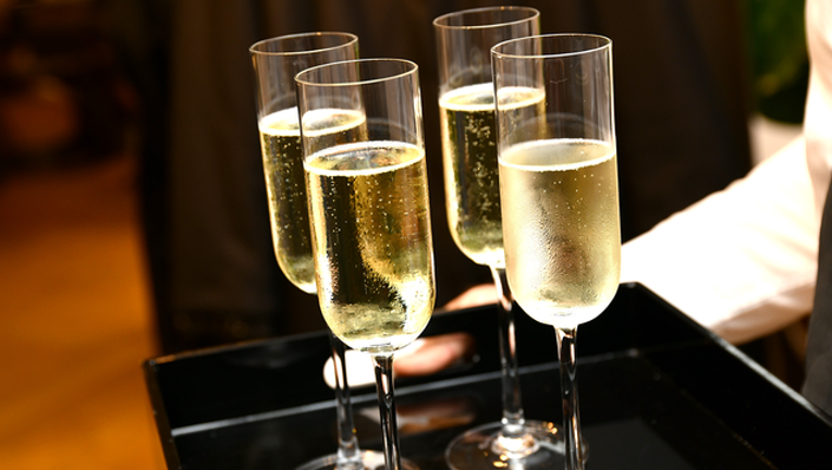 1c4726f7-GETTY_champagne_010119_1546361293838.png