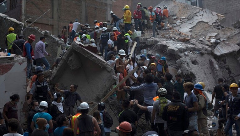 79e496e4-GETTY_mexico_city_earthquake_092017-401096