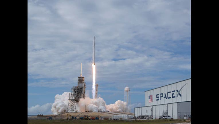 SpaceX - GETTY-407068
