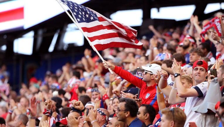 9b8d8e9c-USA soccer fans GETTY-409650