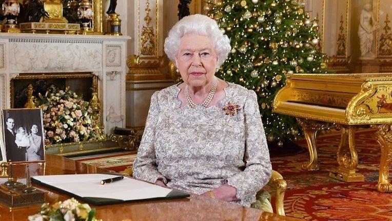 082bb286-GETTYIMAGES Queen Elizabeth II-401096.jpg