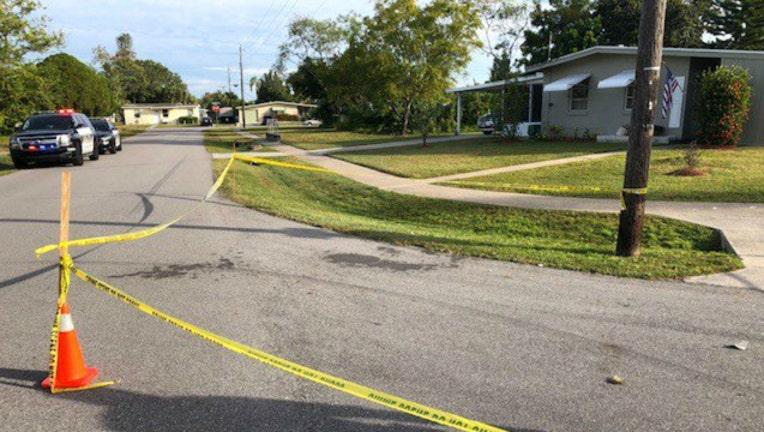 4e545376-Moms brawl at bus stop-404023