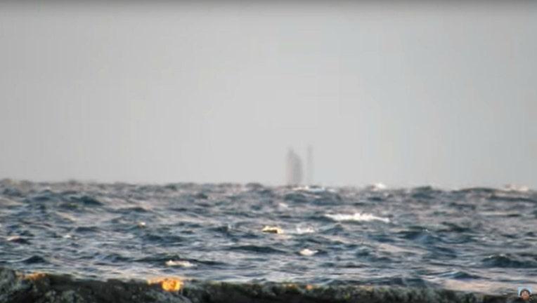 0d6bf327-ghost ship-404023.jpg