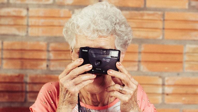 5acbda78-Pixabay_Grandmother_011219_1547320952456-404959.jpg