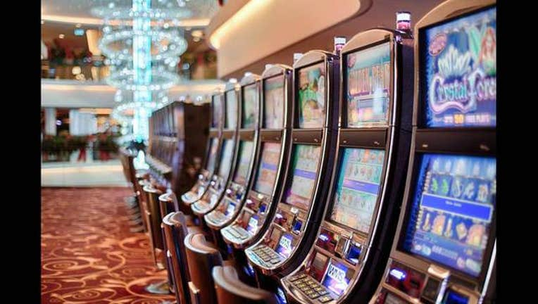 7b427a11-Slot_Machine_Casino_1471999182639-401720.jpg