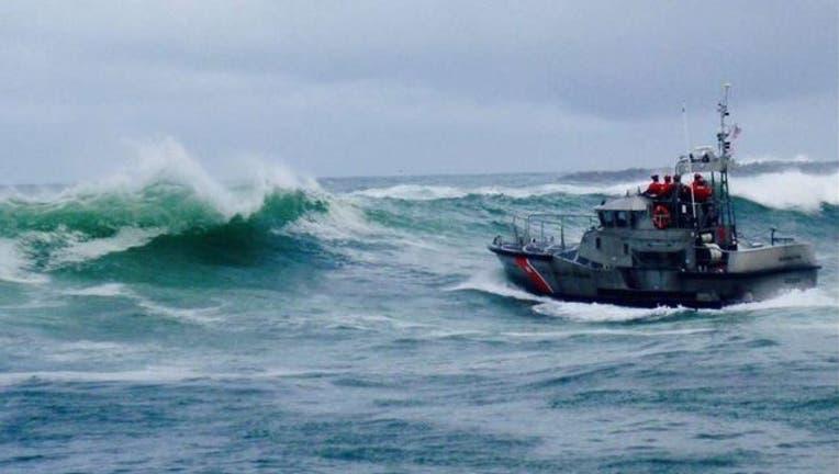 2daff0b8-USCG Pacific Northwest Twitter_mary b ii capsizes_011019_1547131709254.jpg.jpg