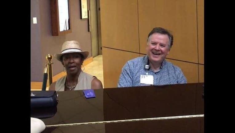 c79243dd-Pastor Sings with Vera-404959