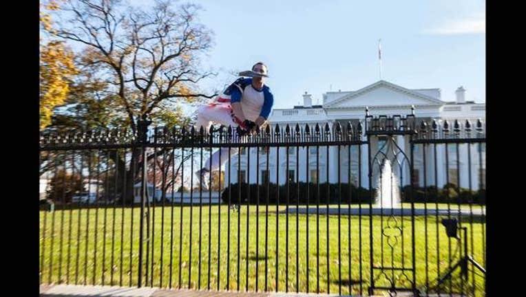 White-House-(2-of-7)_1448583963545-401720.jpg