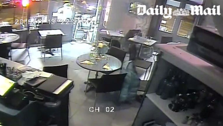 2dfe1e1f-Paris Cafe Terror Attack-402970