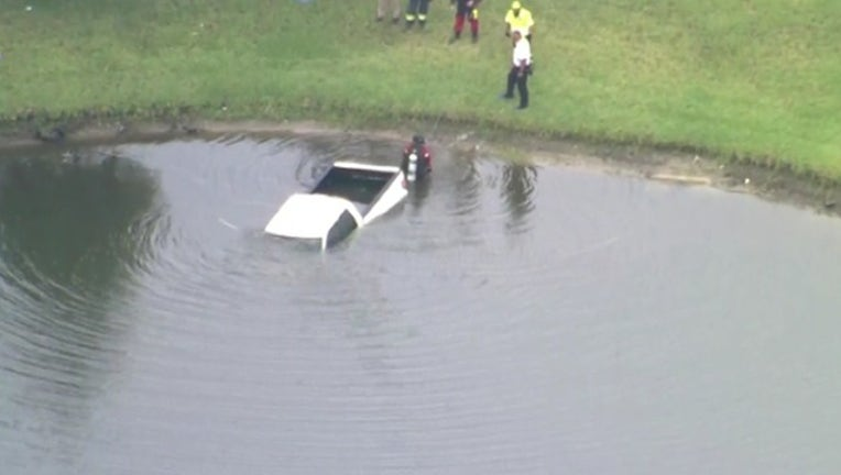 541d53fe-car in water for web_1559911287573.png.jpg