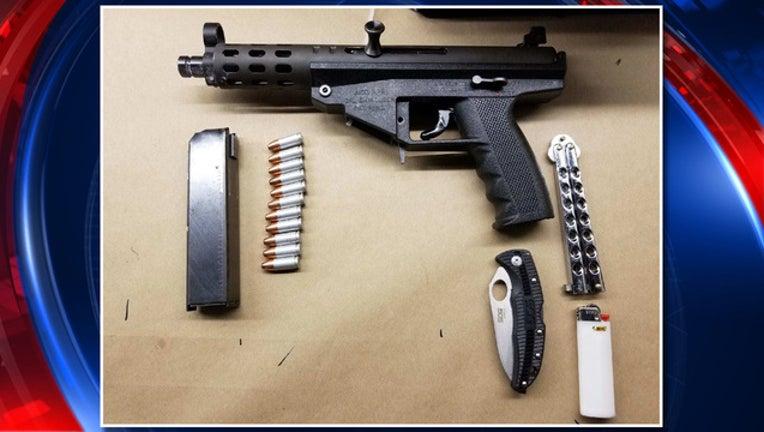 7172f3e0-gun at school_1523017492927.jpg-401385.jpg