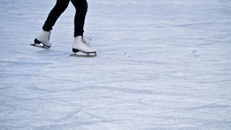 727c37ff-ice-skating-skates_1480342191372-404023.png